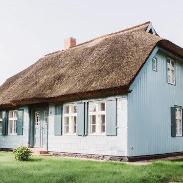 Kapitänshaus Wieck a. Darß - Ferienhaus mit besonderer Architektur an der Ostsee in Deutschland